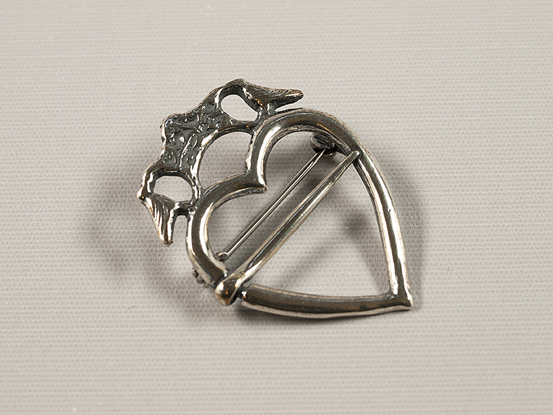 Hjerteformet broche, sølv
