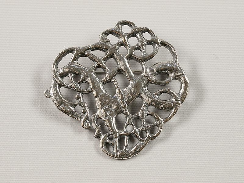 Hvidingbroche, sølv