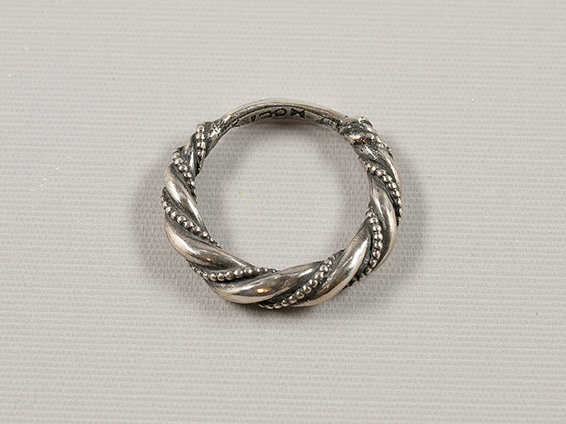 Snoet fingerring, sølv