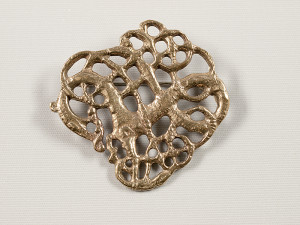 Hvidingbroche, bronze