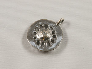 Hjulformet hængesmykke, sølv